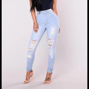 Fashion Nova 15/16 jeans